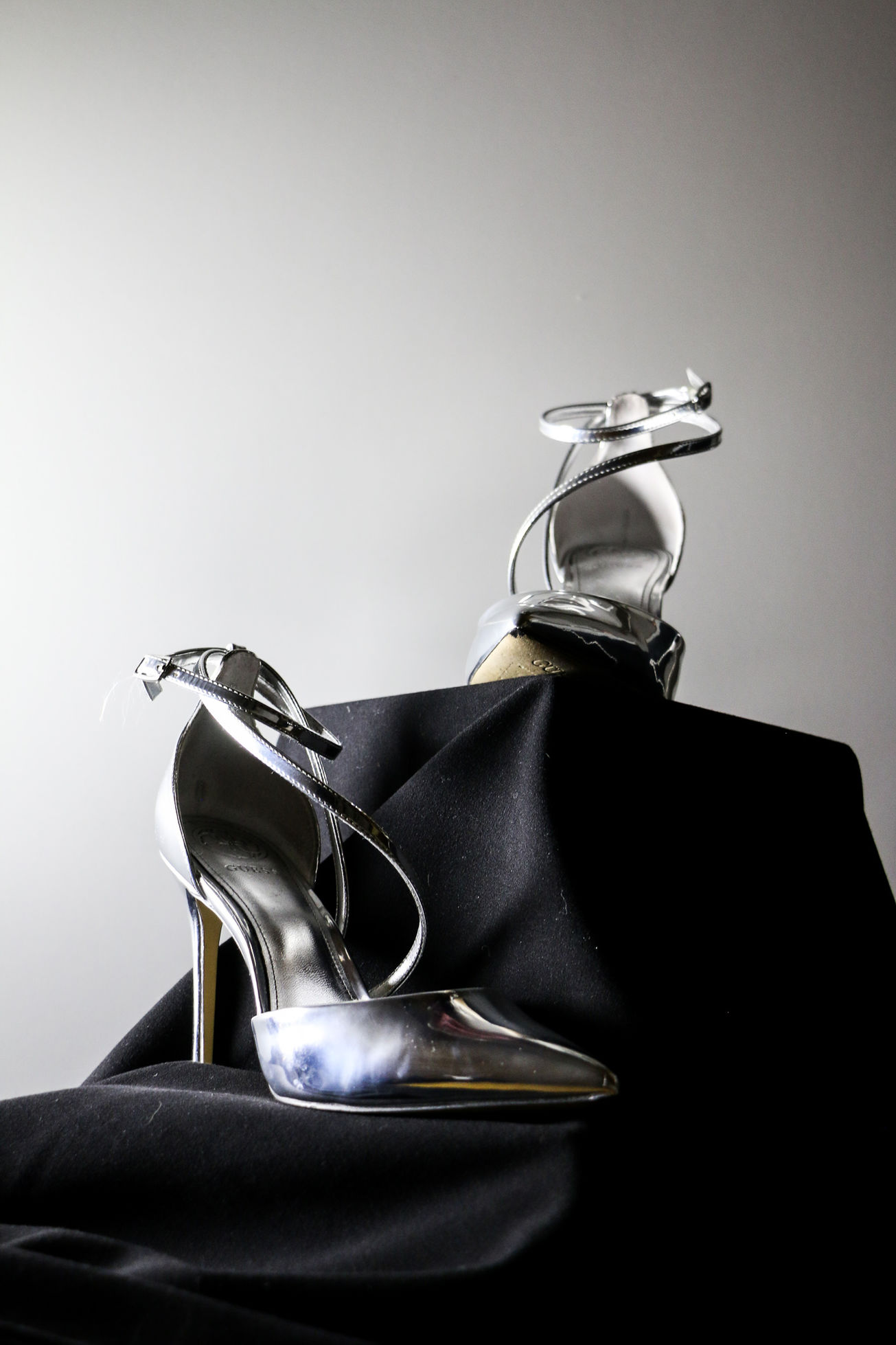 Silbrige High Heels